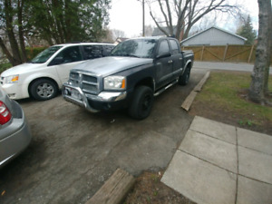 2005 dodge dakota v6