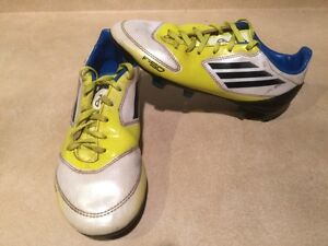 Kids Adidas F10 Outdoor Soccer Shoes Size 3.5 London Ontario image 2
