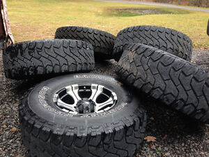 """01 and earlier Dodge Ram 1500 rims with 5 Mickey Thompson 35"""" Kingston Kingston Area image 1"""