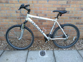 Gents 21 inch Ridgeback Mountain Bike.