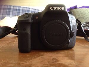 Canon 7D great condition !