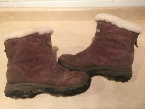 Women's The North Face Waterproof Winter Boots Size 8 London Ontario image 6