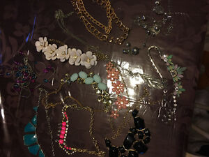 Large lot of necklaces!