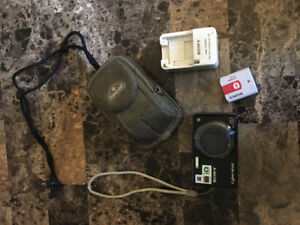 Excellent condition Sony Cybershot camera