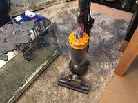 Dyson DC40 Multi Floor vacuum cleaner mint condition
