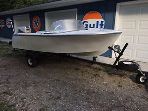 About 1952 Thermolite 14 boat