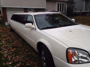 FOR SALE 10 Passengers Cadillac Limousine