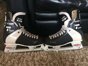 Hockey Skates - CCM Tacks