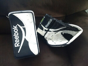 35 +2 Reebok Revoke Pro Zone goalie Pads and gloves UPDATE Strathcona County Edmonton Area image 2
