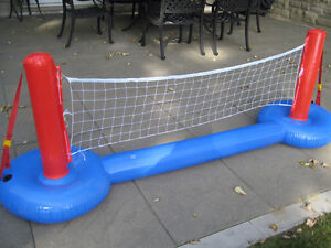 Pool Floating Blow-up Volleyball Net.