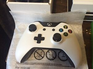 10/10 Condition Xbox One +1 Year Warranty Peterborough Peterborough Area image 1
