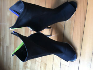 Like new stiletto zip-up boots