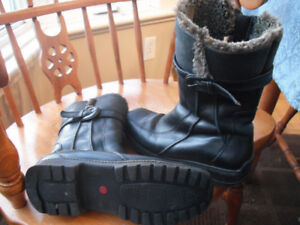 Blondo Woman's Leather Winter Boots