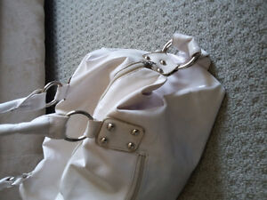Women's white handbag shoulder bag purse London Ontario image 5