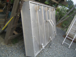 5 x10 allum deck for trailer/ or truck box   just bold to frame