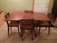 Beautiful Antique Dining Table & Chairs