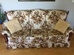 Vilas chesterfield and matchine chair