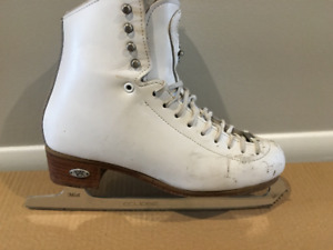 Riedell Motion Size 6 Figure Skates with Eclipse Blades