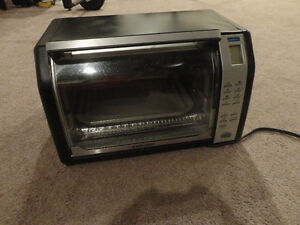Black and Decker Toaster Convection Oven Like new