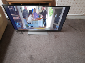 PANASONIC 42 INCH SMART TV FREE LOCAL DELIVERY