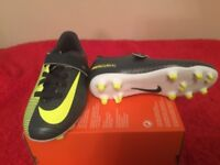 BOOTS FOOTBALL BOOTS