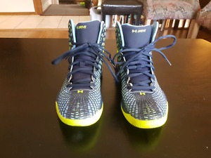 "Under Armor""Drive"" Basketball Shoes"