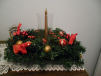 1 Beautful large Christmas decoration in a basket