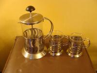 cafetière à piston, base en stainless avec 2 tasses