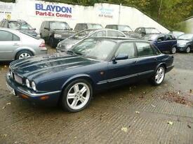 1999 Jaguar XJ 4.0 V8 XJR 4dr