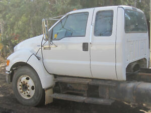 2007 Ford F650 Cab and Chassis ALSO Equipment Trailer Pintle