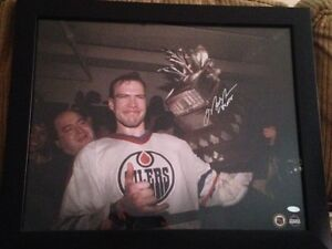 Autographed Mark Messier with COA