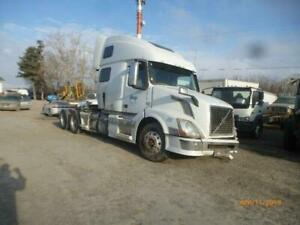 2013 Volvo VNL D13 For Parts