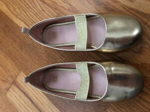 Girls dress flats like new from H&M, size 12