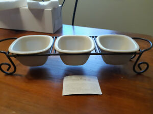 3 piece server for dips, snacks, condiments - New