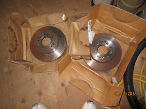 1 pair of NOS Corvette Raybestos rear rotors.