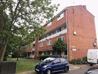 3 bedroom flat in Petersfield Rise, Roehampton , SW1