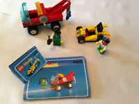 TOW TRUCK & RACE CAR with mini figures LEGO SYSTEM 6468 REDUCED