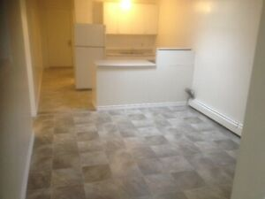 COZY RENOVATED 2-BEDROOM APARTMENTAVAILABLE NOVEMBER 1st