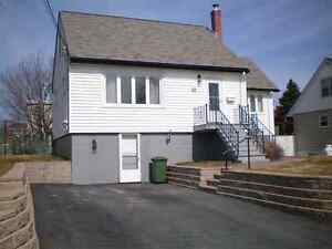 3 Bedroom House, Fairview Available Feb 1
