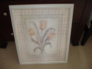 "18 X 22"" MODERN LARGE PRETTY PICTURE IN BEIGE COLOR FRAME."