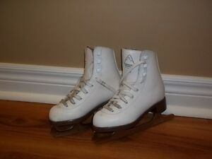 Girl's size 11 figure skates Peterborough Peterborough Area image 1