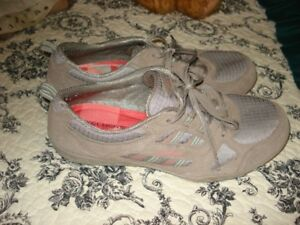 Ladies Sketcher's Running Shoes