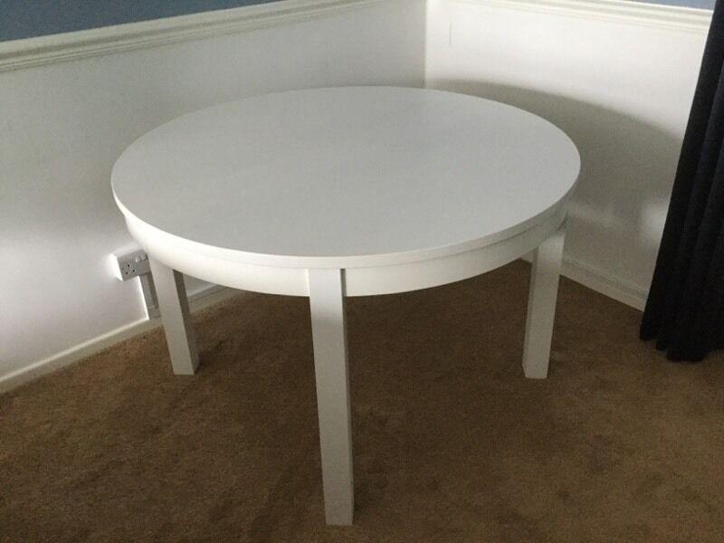 ikea round white extending table round design ideas. Black Bedroom Furniture Sets. Home Design Ideas