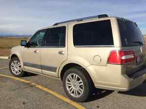 2007 Lincoln Navigator great condition.