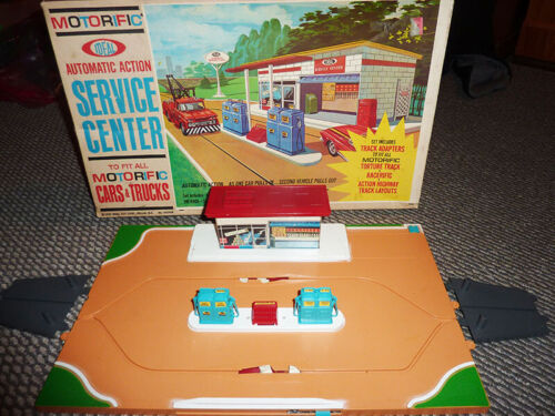 Ideal Motorific ACTION Service Station RARE
