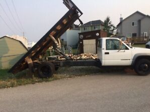 1996 chev dully dump box 3500,safety checked.ready to work