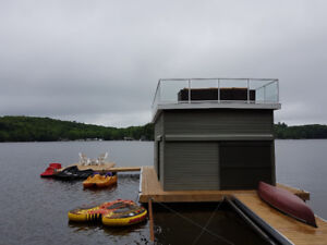Million Dollar Lake Views From Every Level. . .7 Seater Hot tub.