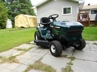 Lawn tractor Craftsman 17.5hp 42'' cut Automatic.