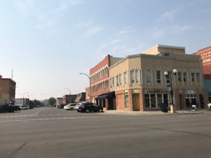 1250 sqft  commercial mainfloor downtown