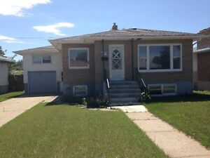 95% RENOVATED 3 BEDROOM HOUSE SW HILL